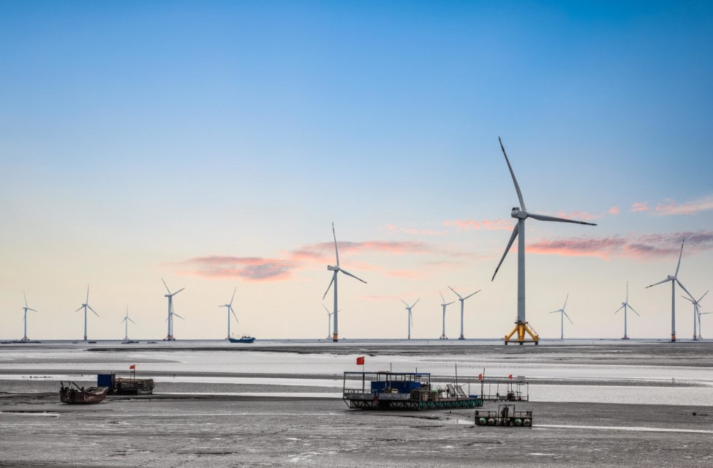 Chinese offshore wind turbines (Alamy, Zhang Zhiwei photo)