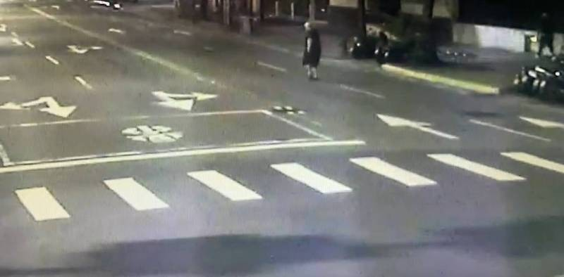 Irishman dies on Taipei street, tests positive for COVID