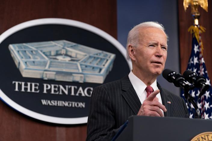 美國總統拜登27日下令空襲伊拉克與敘利亞境內的反美武裝組織。(圖/路透社)
