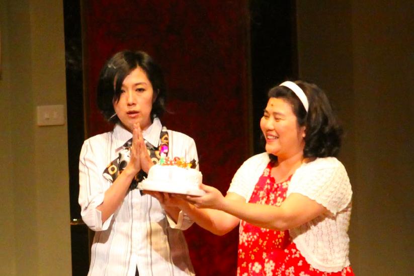 由林美秀(右)主演的台灣經典戲劇《人間條件》破280萬觀看(圖/綠光劇團)