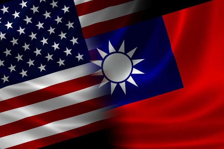 U.S. and Taiwan flags. (gettyimages)