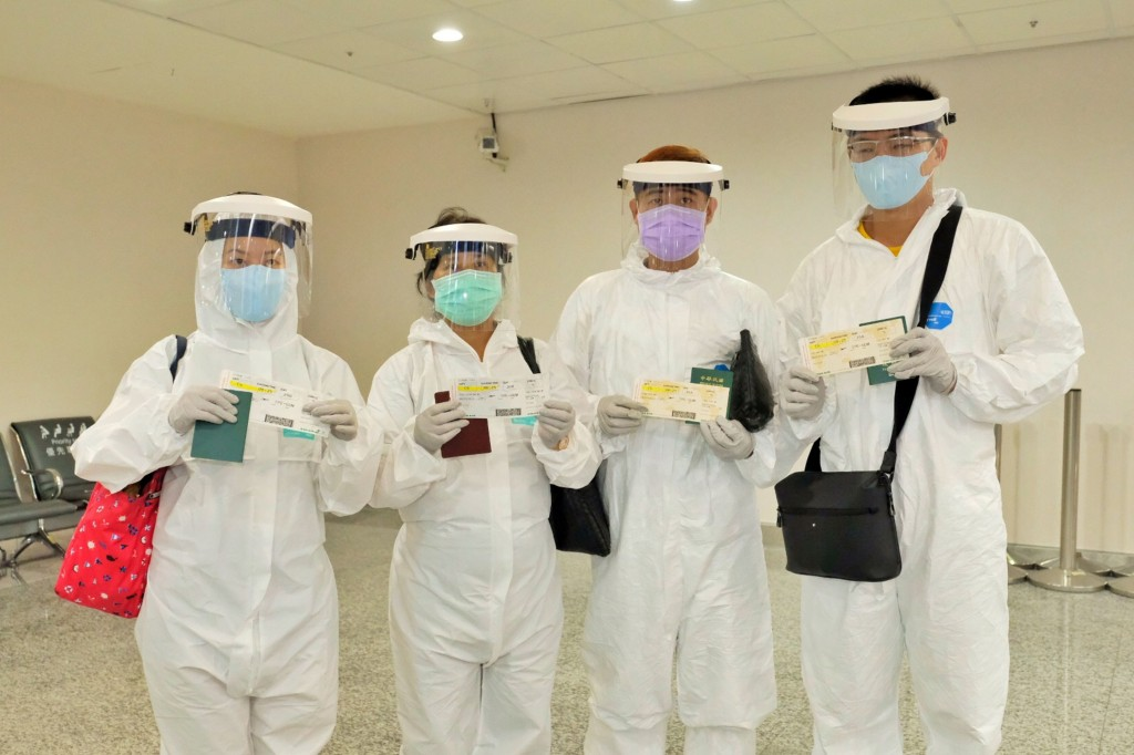 關島打疫苗兼觀光•台灣首發團啟程 164名旅客順利成行•7成以上是年輕人