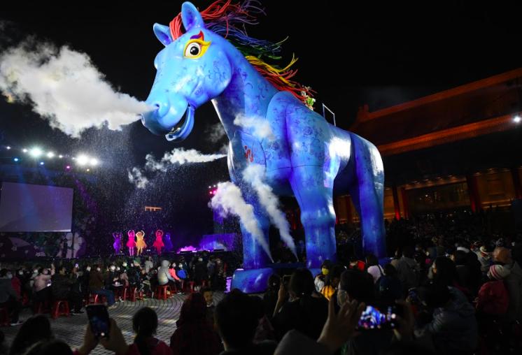 台灣紙風車劇團客語舞台劇《雨馬》線上放映吸引30萬人次觀看,將於10日晚間下架。(圖/紙風車)