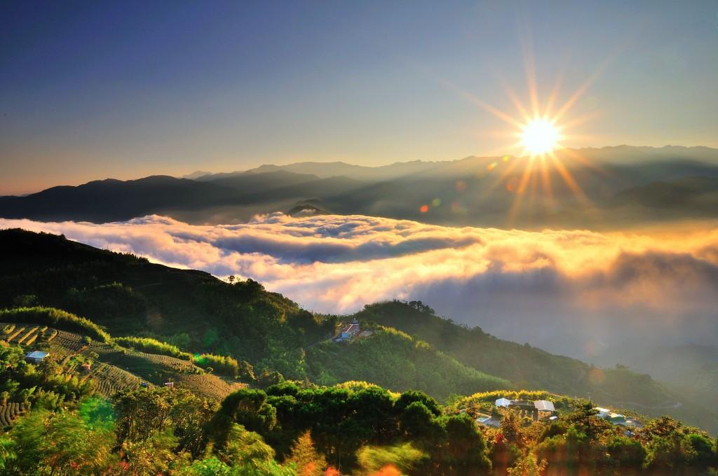 梅山鄉-龍眼-二尖山日出雲海。(照片來源:阿里山國家風景區管理處提供)
