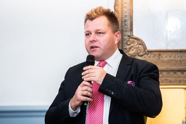 立陶宛外交部副部長艾德梅納斯(Mantas Adomėnas)。(圖/Mantas Adomėnas Facebook)