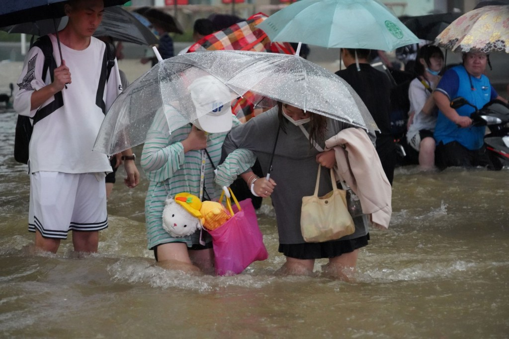 At least 25 dead as rains deluge central China's Henan province