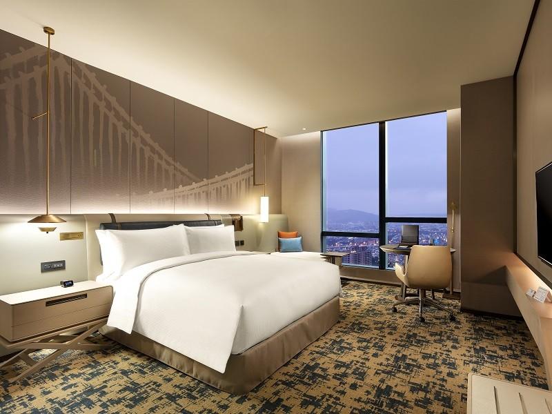 台北新板希爾頓酒店推買一送一 雙人入住每房僅2252元起