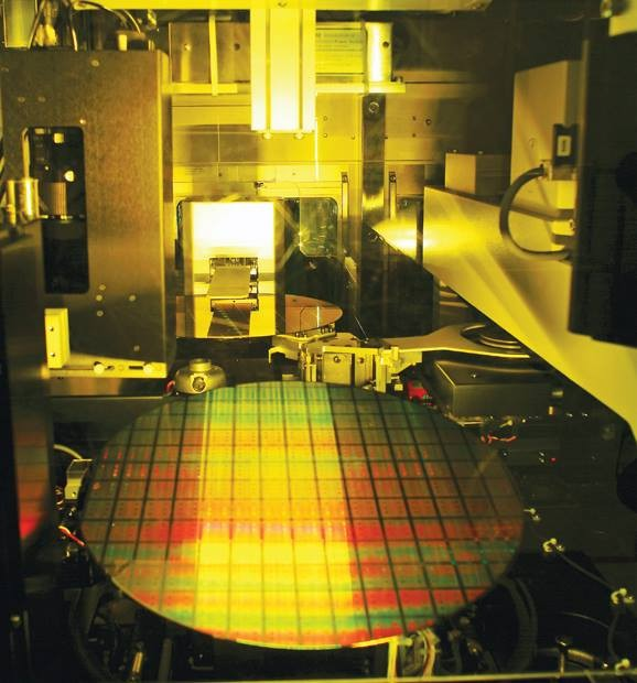 TSMC for the first time applied for more than 1,000 patents during a six-month period (Facebook, TSMC photo).