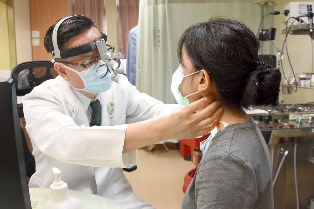 彰化基督教醫院院長陳穆寬教授表示,近期收治一名患者,因疫情延誤就醫,差點變末期舌癌。(彰基提供)