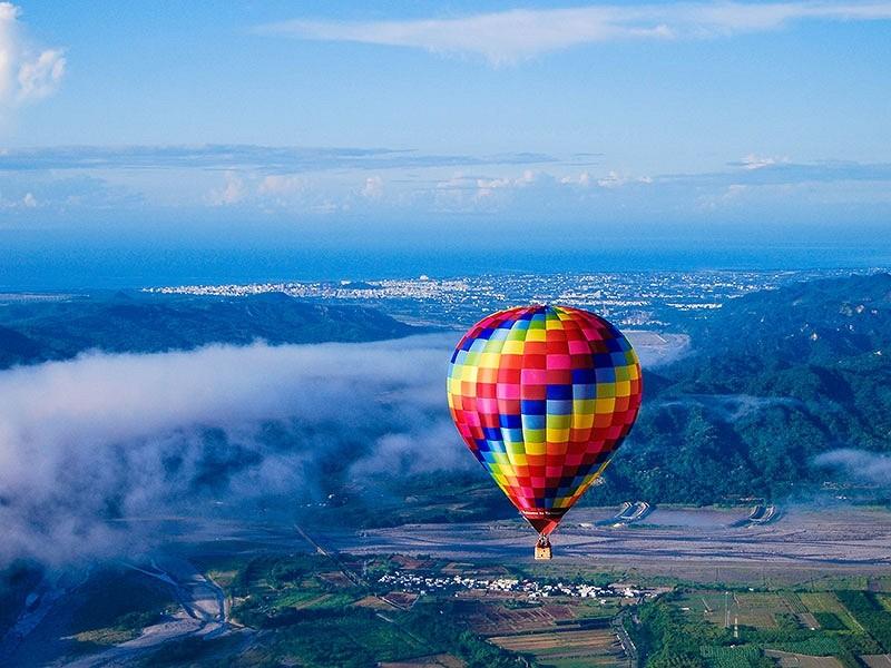 A hot air balloon at a Taiwan International Balloon Festival (Taitung County photo)