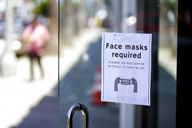 洛杉磯口罩規定標示(圖/AP)