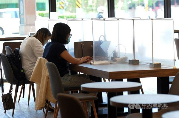 Taipei, New Taipei to allow indoor dining from Aug. 3