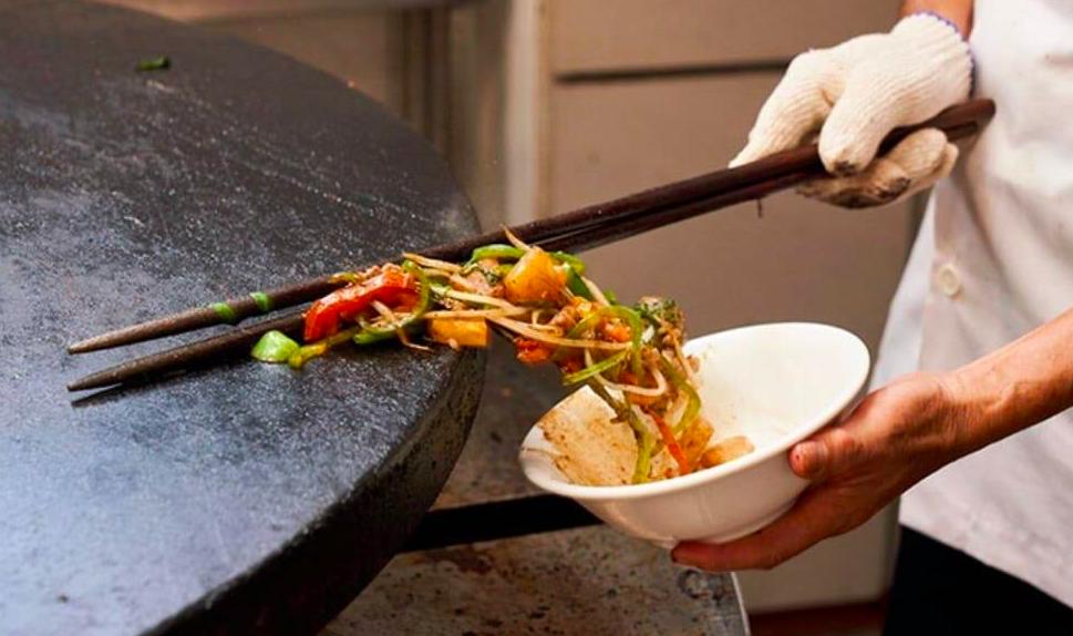 台北70年老店成吉思汗蒙古烤肉敵不過疫情宣布停業。(圖/官方臉書)