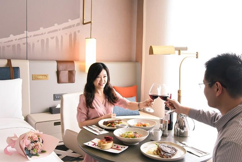 台北新板希爾頓酒店「希手饗樂」 微醺情人月住房專案