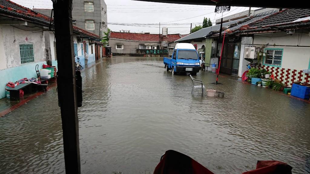 台灣雲林沿海水患•台西6日中午12時後停班停課 農作物災損新台幣857萬元•花生最嚴重
