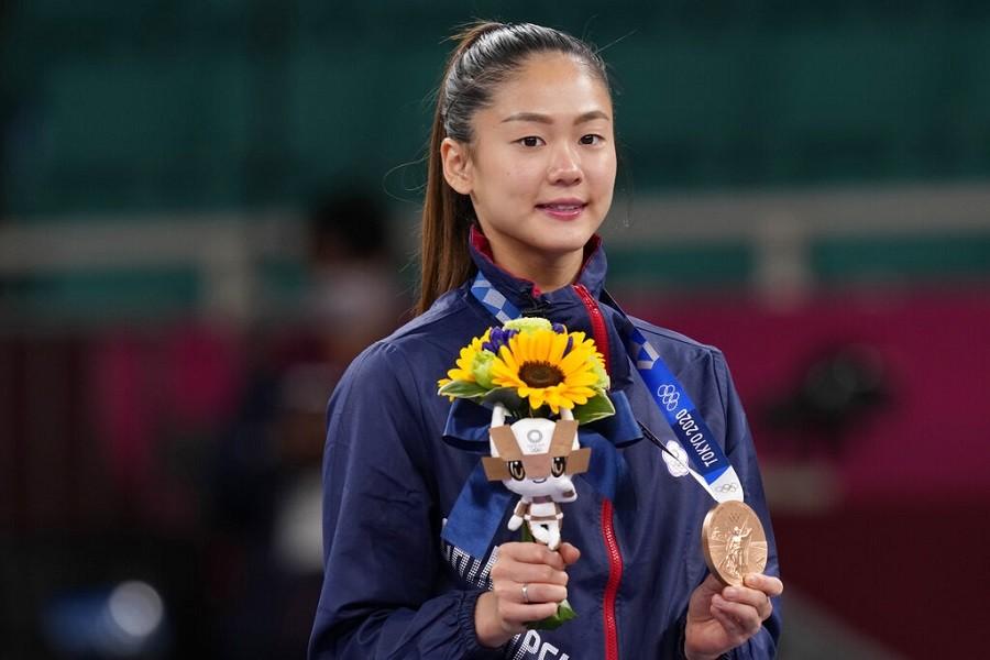 台灣空手道好手文姿云5日在東京奧運空手道女子55公斤量級4強賽遭裁判裁定落敗獲得銅牌,賽後她說:「其實很開心,雖然這獎牌不是我想要的顏色...