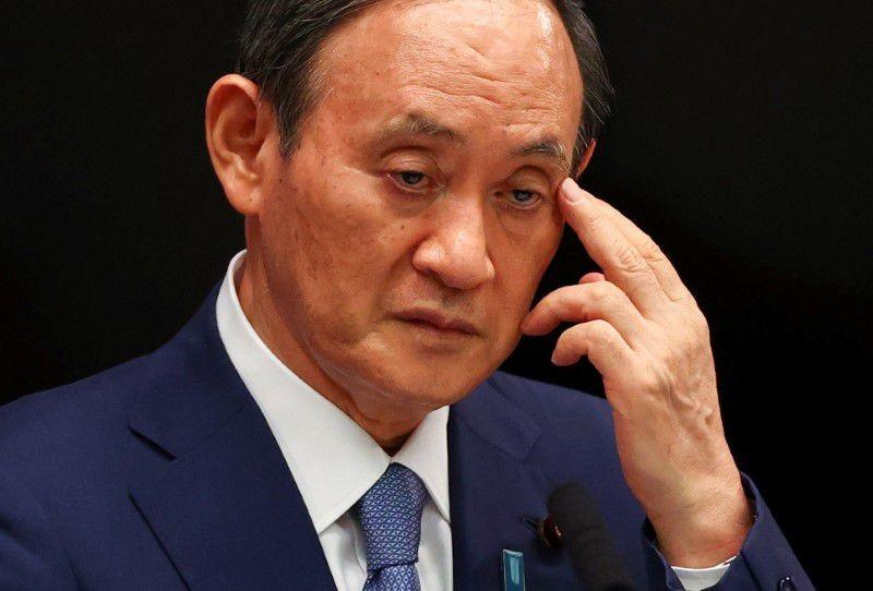 日首相菅義偉支持度創新低,首跌破三成。(圖/路透社)