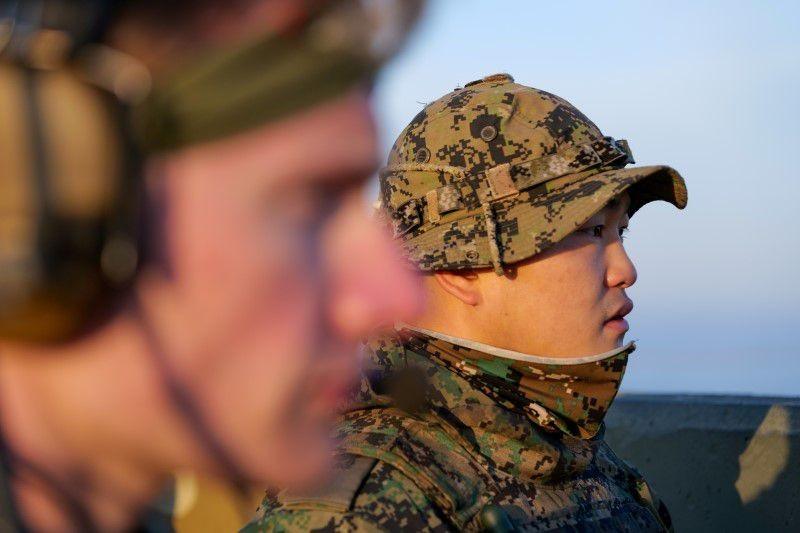 美國與南韓軍人共同出席美韓聯合軍演。(圖/路透社)