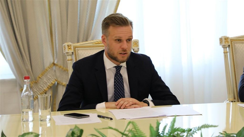 中國10日召回駐立陶宛大使,立陶宛外交部透過聲明表示「遺憾」。圖為立陶宛外交部長藍斯柏吉斯。(圖取自twitter.com/Lithuan...