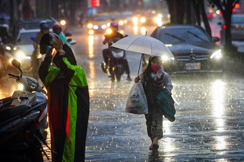 未來一週 (15日到20日) , 都要留意午後雷陣雨! (中央社)