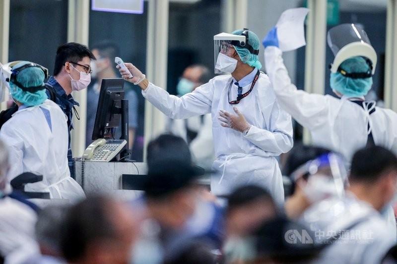 我國目前將緬甸列為「重點高風險國家」,雙方航線也暫時停止飛行,因此緬甸台商總會緊急請求包機回台。(圖/中央社)