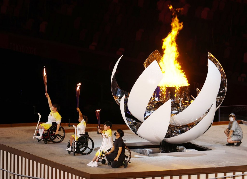Tokyo 2020 Paralympic Games - The Tokyo 2020 Paralympic Games Opening Ceremony - Olympic Stadium, Tokyo, Japan - August 24, 2021. The cauldron is lit ...