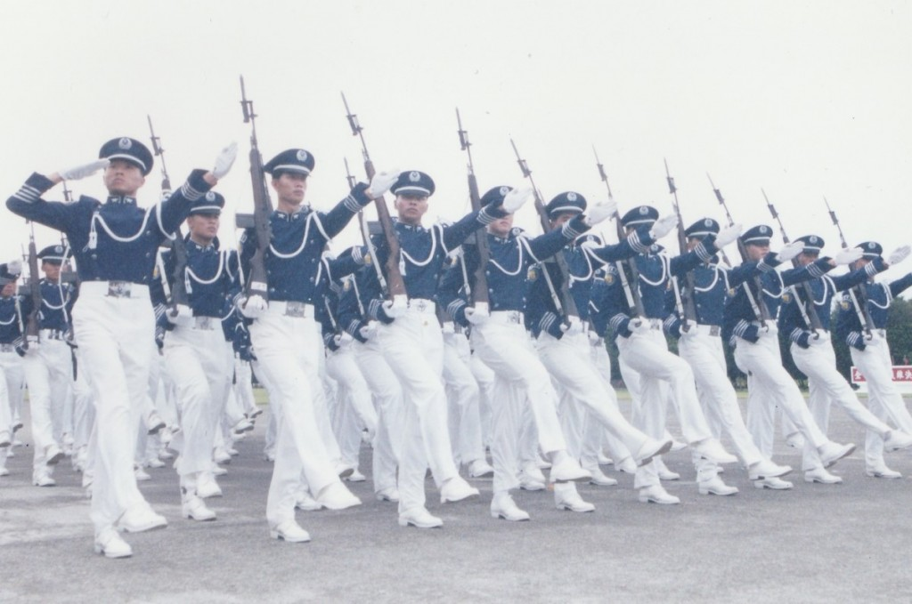 Taiwan Army cadets goose-stepping. (TVBS photo)