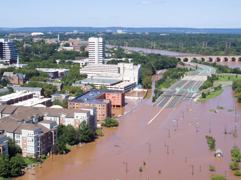 颶風艾達導致美國紐約及周邊地區大淹水,馬路、地鐵全被淹沒,有如中國鄭州水災翻版。(圖/路透社)