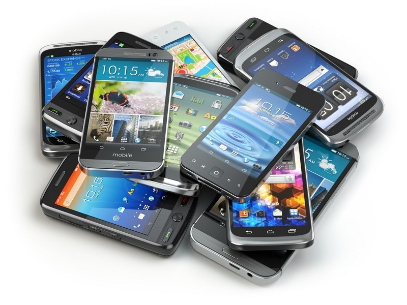 Heap of cellphones. (Getty Images)