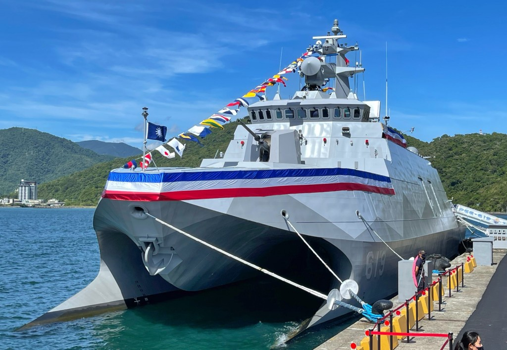 President Tsai Ing-wen commissioned the Ta Chiangcorvette in Su'ao Thursday.