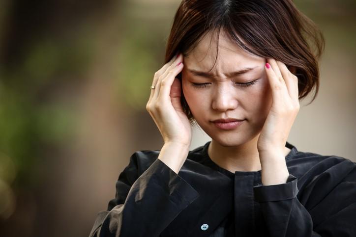 全台約高達200萬人罹患偏頭痛,但卻有4成5不知道過度使用止痛藥恐造成頭痛更加惡化。(示意圖/Getty Images)