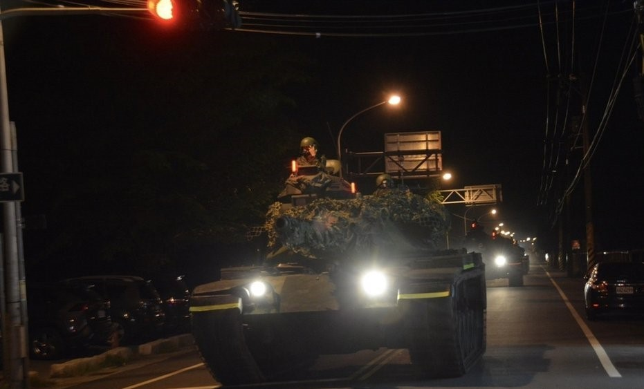 Taiwanese M60 tank partaking in Tuesday's nighttime drill.