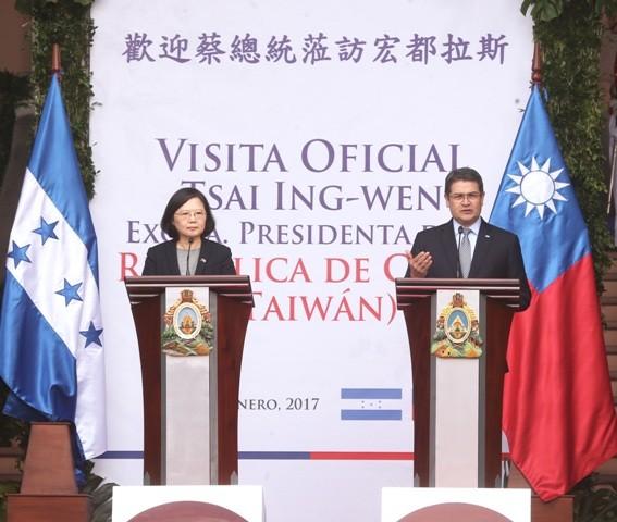 President Tsai Ing-wen visiting Honduras in 2017.