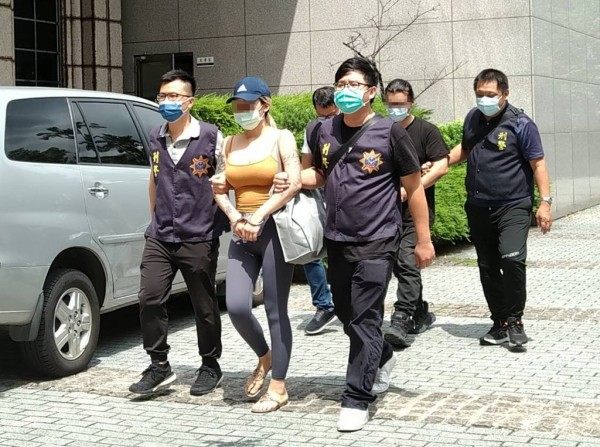 Cops bust New Taipei woman for running marijuana ring