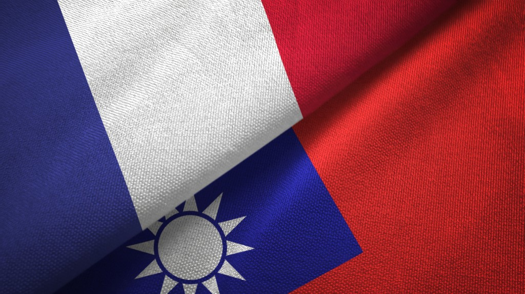 Taiwanese and Frenchflags. (Getty Images)