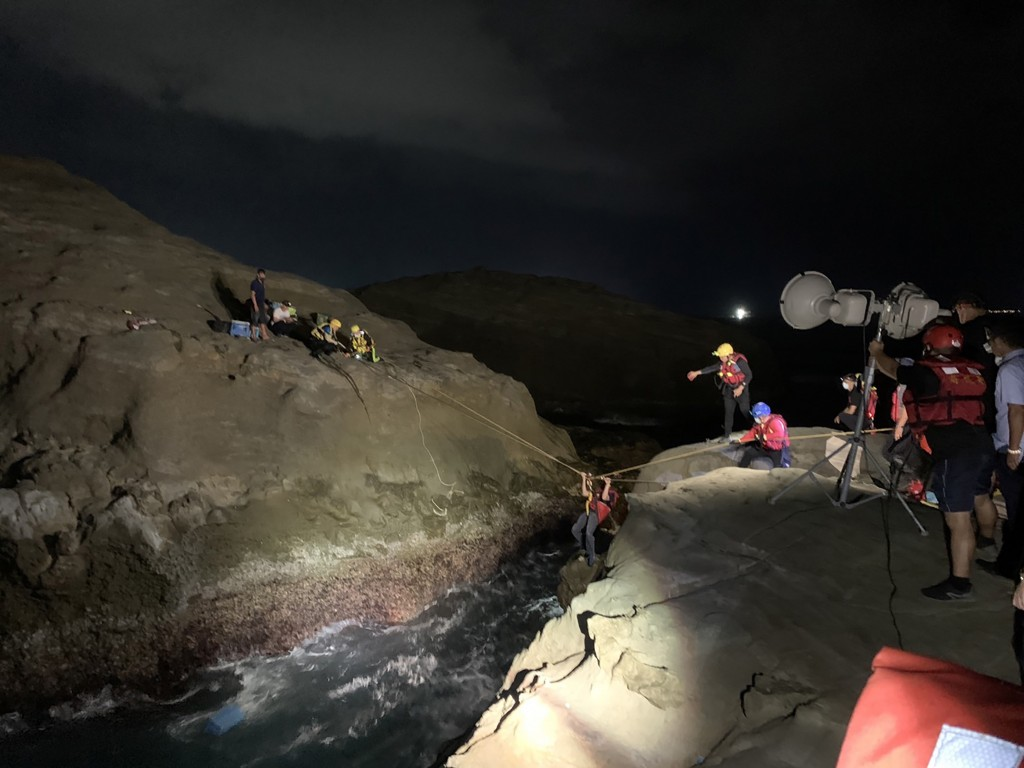 Fisherman dies in accident on New Taipei coastline