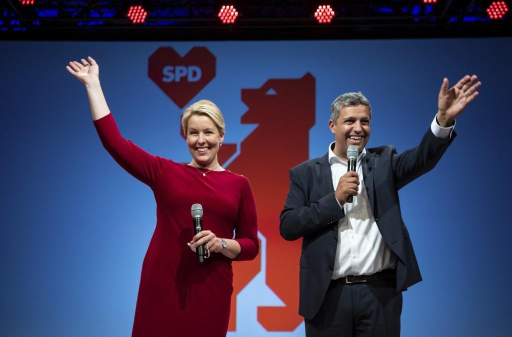 柏林社民黨的新主席Franziska Giffey(左)與聯合主席Raed Saleh(右)。(圖/路透社)