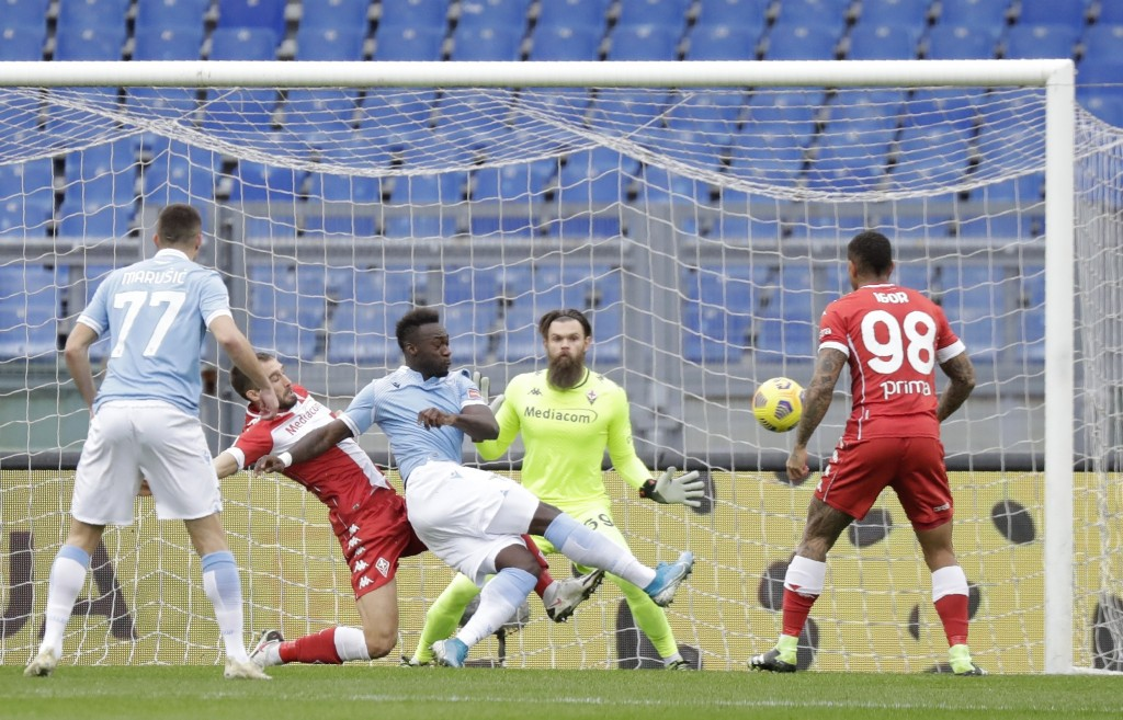 Lazio's Felipe Caicedo scores his side's opening goal during the Serie A soccer match between Lazio and Fiorentina at the Olympic Stadium in Rome, Ita...