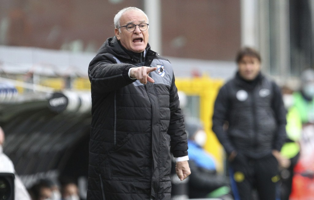 Sampdoria's head coach Claudio Ranieri gives directions during  the Serie A soccer match between Sampdoria and Inter Milan at  the Luigi Ferraris stad...