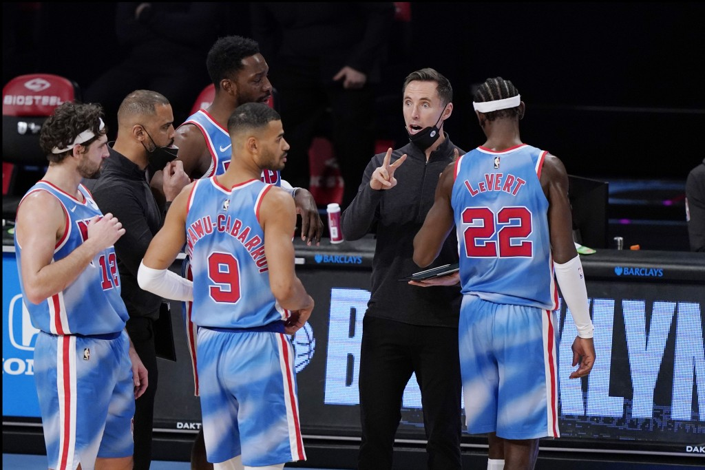 Brooklyn Nets head coach Steve Nash talks to Nets' Joe Harris (12), Jeff Green, Timothe Luwawu-Cabarrot (9) and Caris LeVert (22) during the second ha...