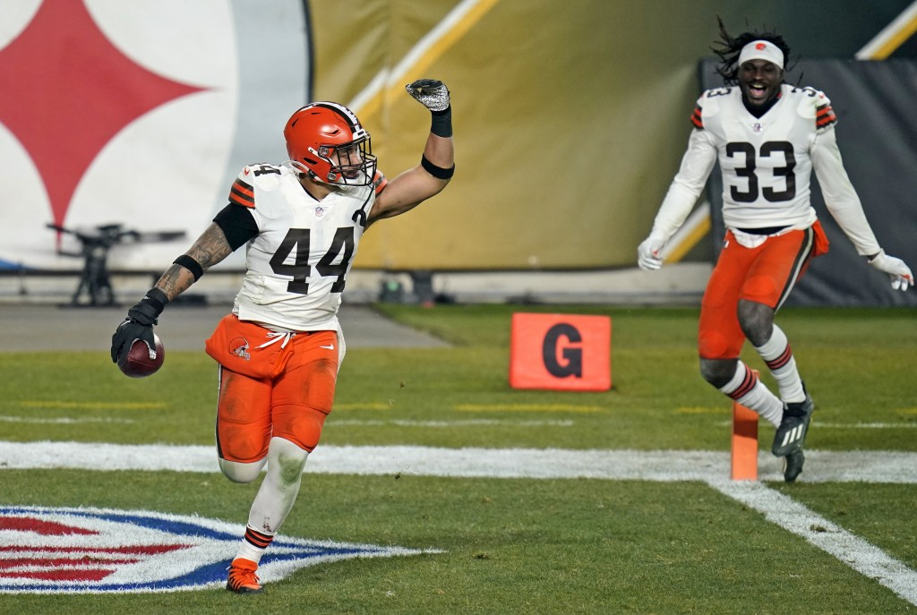 Cleveland Browns outside linebacker Sione Takitaki (44) celebrates after intercepting a pass by Pittsburgh Steelers quarterback Ben Roethlisberger (7)...