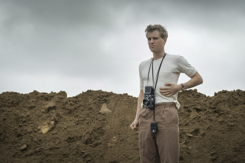 """This image released by Netflix shows Johnny Flynn in a scene from """"The Dig.""""  (Larry Horricks/Netflix via AP)"""