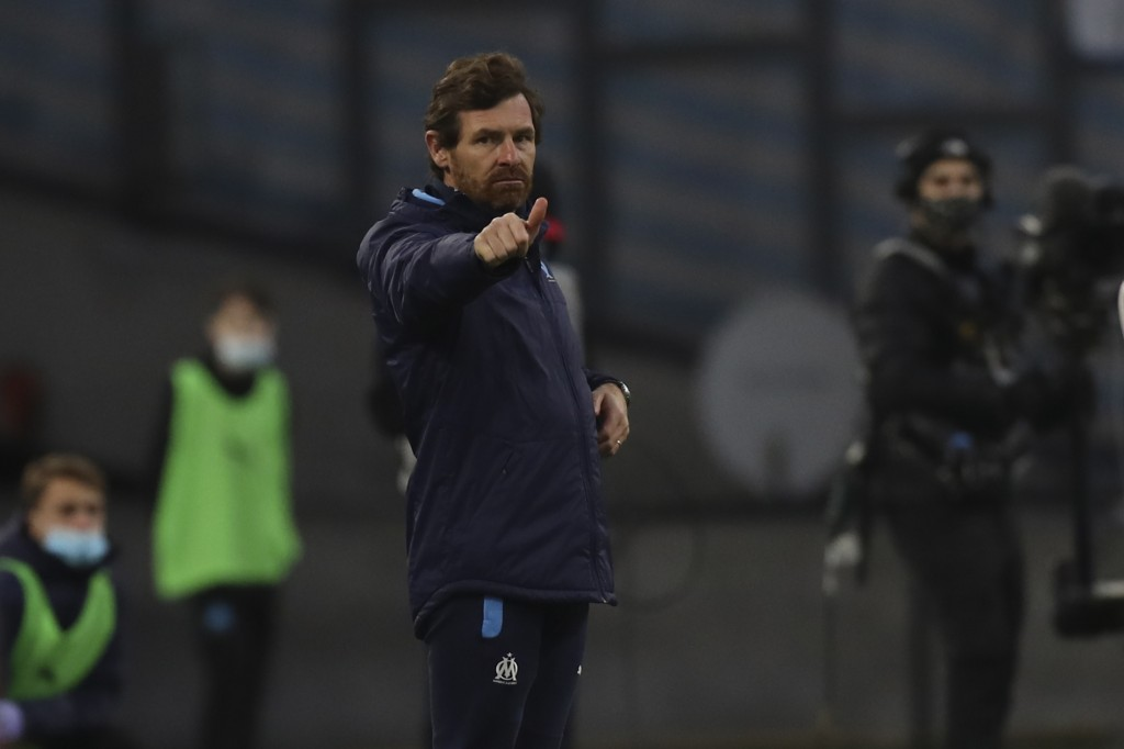 Marseille's head coach Andre Villas-Boas gestures during the French League One soccer match between Marseille and Nimes at the Veledrome stadium in Ma...
