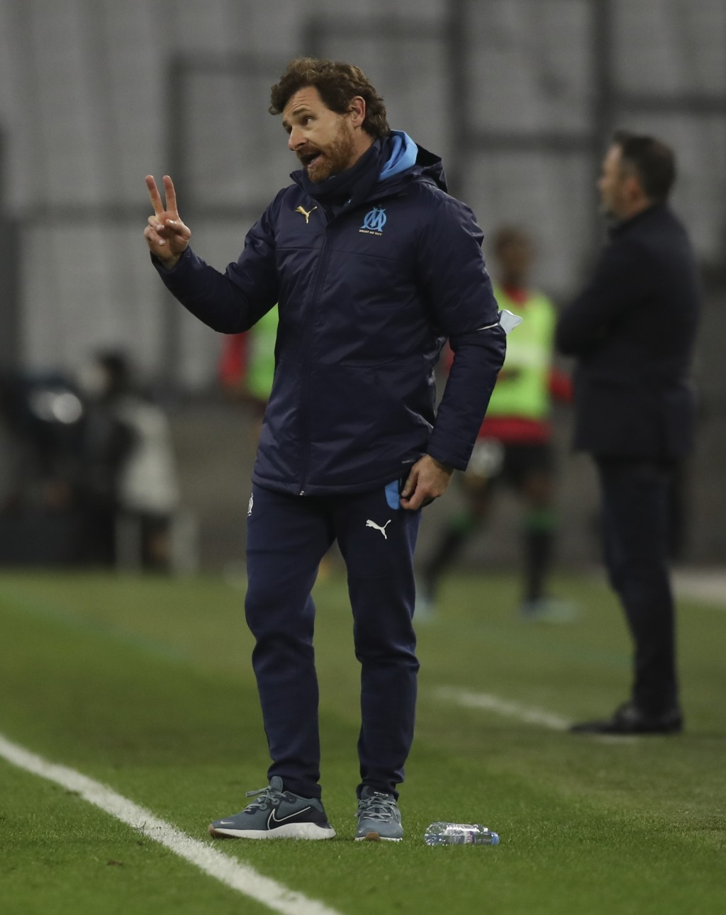Marseille's head coach Andre Villas-Boas reacts during the French League One soccer match between Marseille and Lens at the Veledrome stadium in Marse...