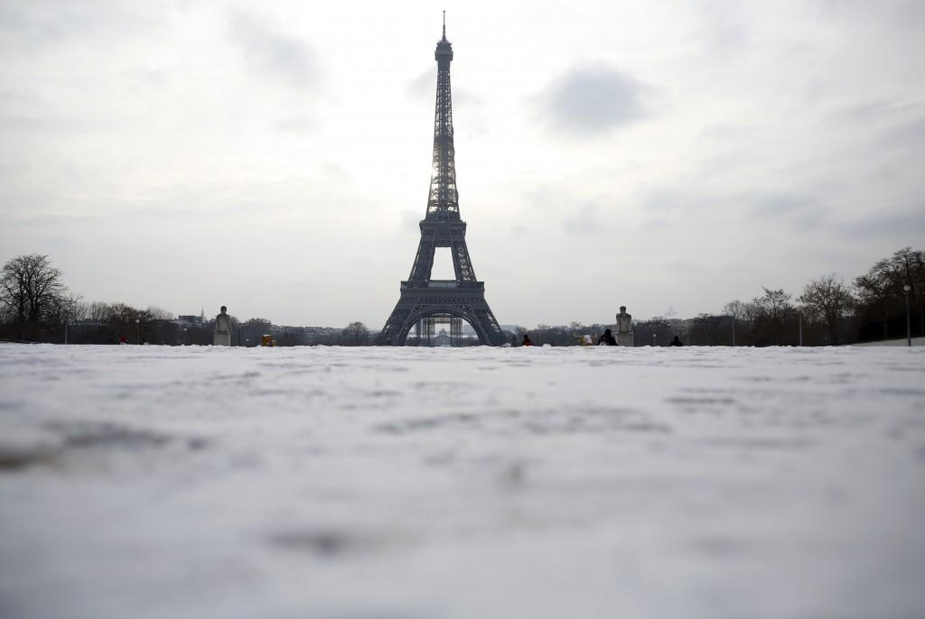 巴黎艾菲爾鐵塔(美聯社)