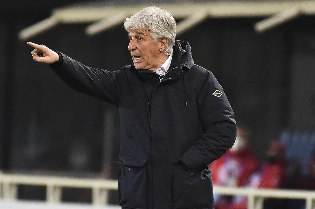 Atalanta's head coach Gian Piero Gasperini gives instructions to his players during a Serie A soccer match between Atlanta and Napoli, in Bergamo's At...