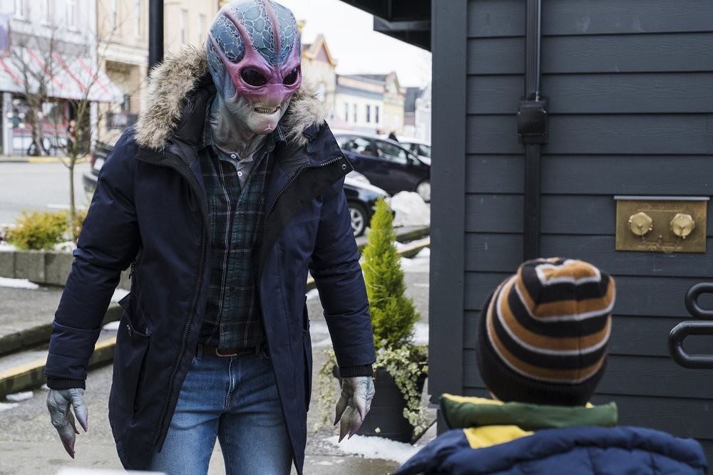 """This image released by SYFY shows Alien Harry in the new series """"Resident Alien."""" (James Dittinger/SYFY via AP)"""