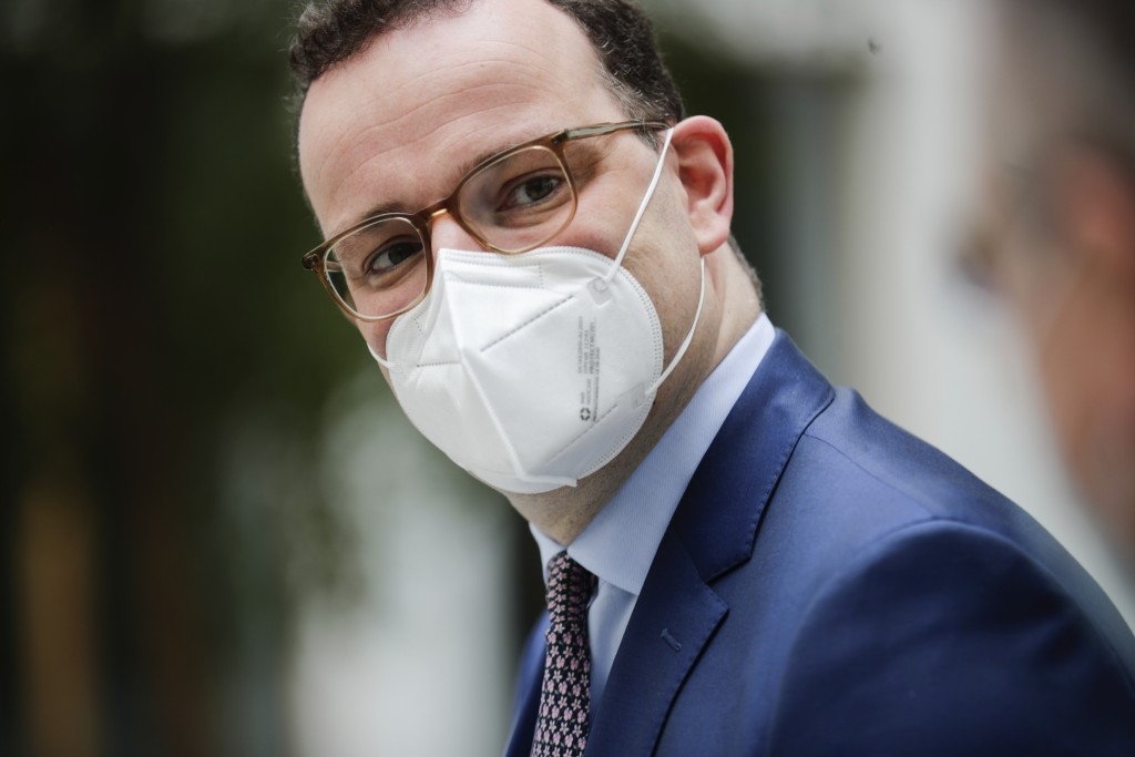 Germany's Health Minister Jens Spahn arrives for a news conference on the coronavirus disease (COVID-19) pandemic in Berlin, Germany March 26, 2021. (...