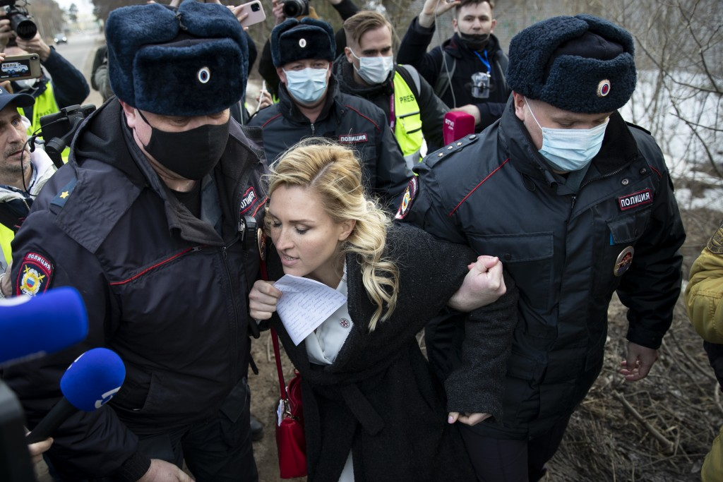 Police officer detain the Alliance of Doctors union's leader Anastasia Vasilyeva at the prison colony IK-2, which stands out among Russian penitentiar...