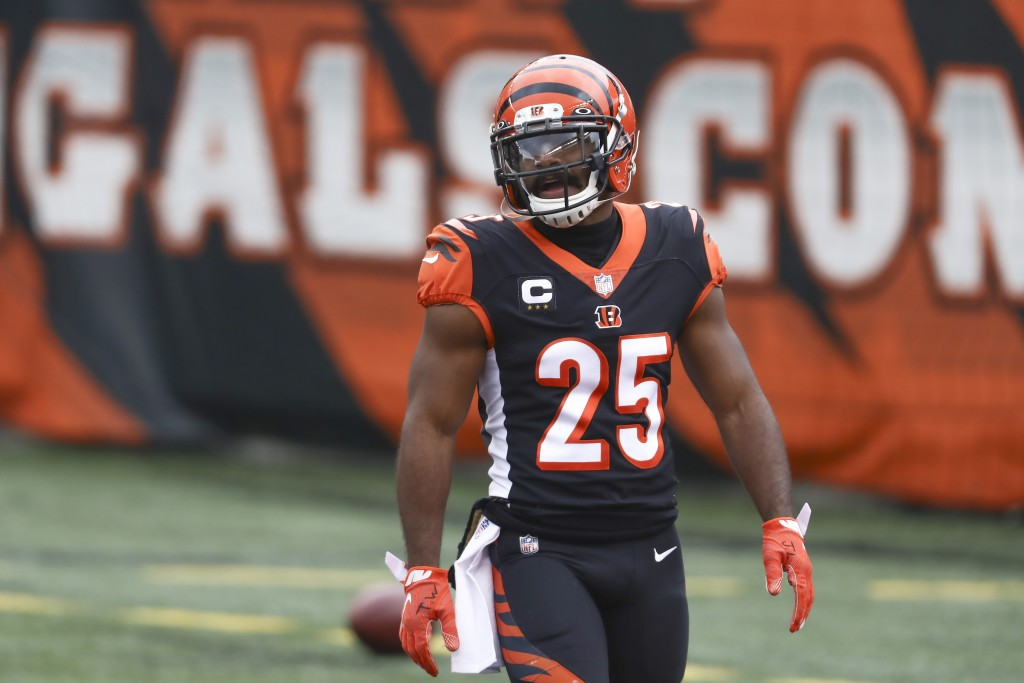 FILE - Cincinnati Bengals running back Giovani Bernard (25) warms up before an NFL football game against the Baltimore Ravens in Cincinnati, in this S...